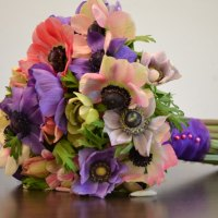 romantic-wedding-with-anemone